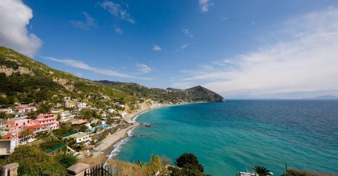 hotel-con-spiaggia-ischia-maronti-sant-angelo-(2)-thumb-960x500.jpg